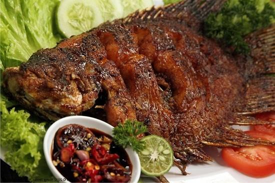 4 Cara Untuk Memanggang Ikan Agar Dagingya Tidak Lengket Kepanggangan